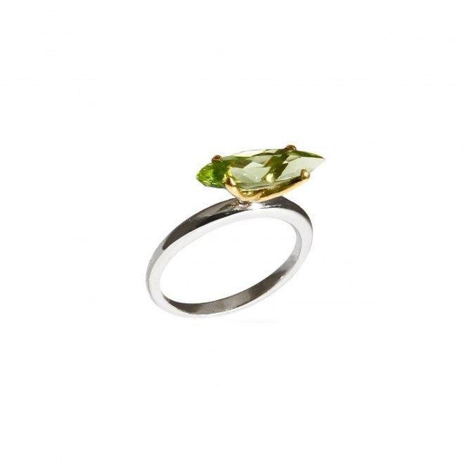 Anillo de oro amarillo con Turmalina verde